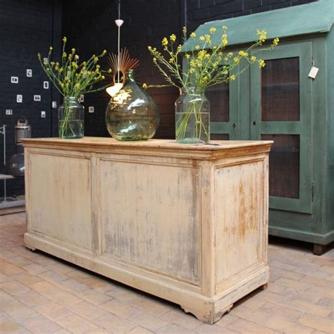 mobilier industriel ancien comptoir de commerce en bois