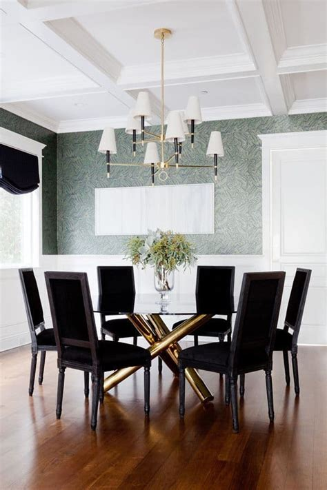glass dining room tables  add sophistication  mealtime