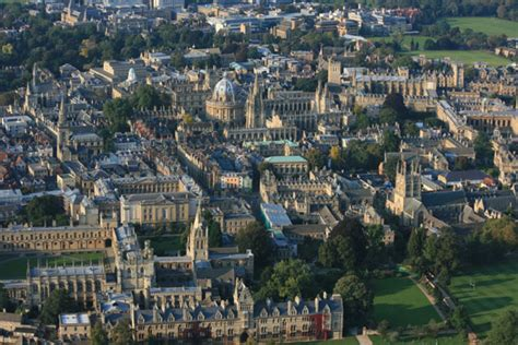 House Online aerial view of the bodleian library oxford by hot air balloon