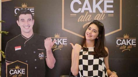 Cake Ala Ali Cheesy Rolz incar peluang bisnis ali syakieb menjadi artis ketiga yang buka toko kue di bogor