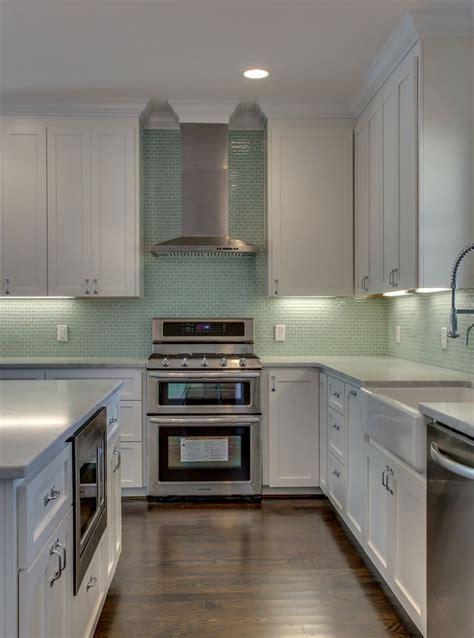 green glass backsplashes for kitchens 1000 images about kitchen backsplash on teal