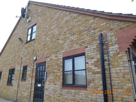 studio flat to rent in acorn lodge lye bricket wood