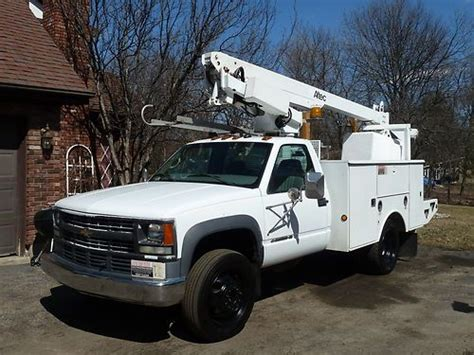 how cars engines work 2002 chevrolet silverado 3500 parental controls buy used 2002 chevrolet 3500 hd chevy bucket boom truck altec diesel engine dually auto in