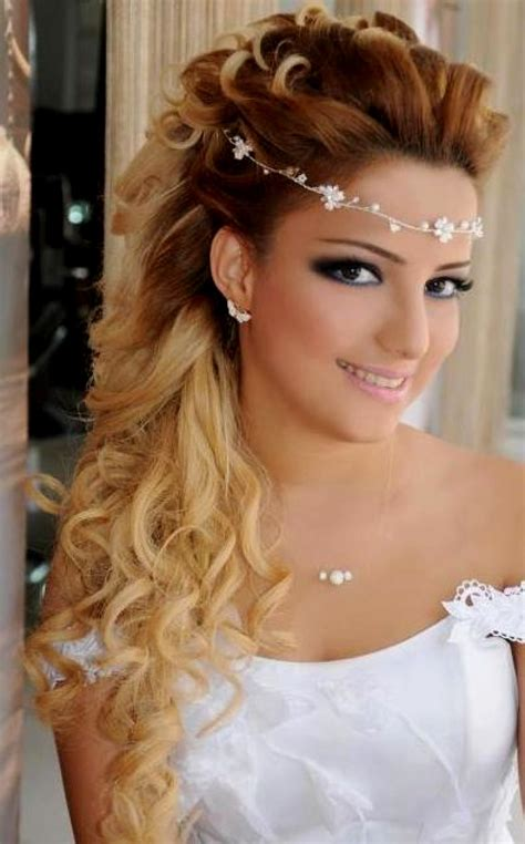 Half Hairstyle by 86 Half Up Half Bridesmaid Hairstyles Stylish Ideas