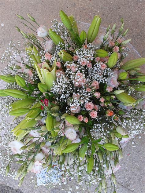 consegna fiori in giornata consegna fiori in giornata bouquet di fiori fiori