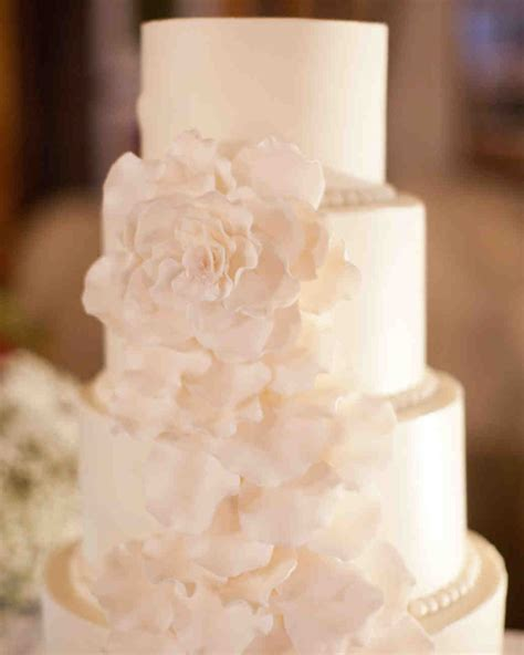 Sugar Flowers Wedding Cakes by 45 Wedding Cakes With Sugar Flowers That Look Stunningly
