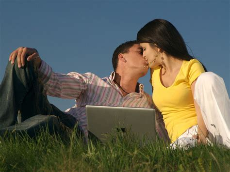 wallpaper couple hot kiss beautiful love couple kiss pictures full hd wallpapers ou