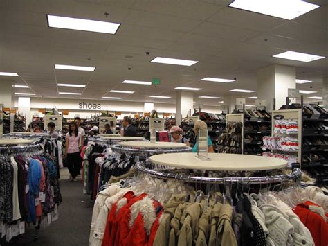 Bnordstrom Rack by Nordstrom S Target Market With Images 183 Inothstine 183 Storify