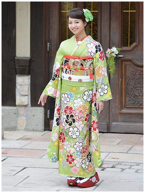 green pattern kimono absolutely lovely furisode which greatly reminds me of 3