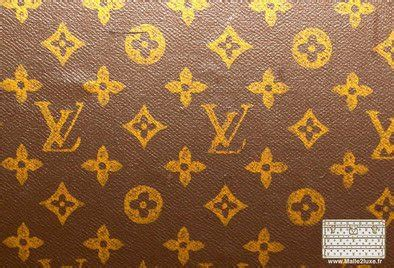 referencing  typography stencil lv trunk louis vuitton