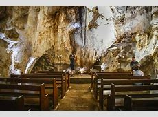 Capricorn Caves - What To Do And See in the Capricorn Caves Leonard Cohen Hallelujah Song