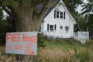 homes for free free house sign attracts attention near blairstown home
