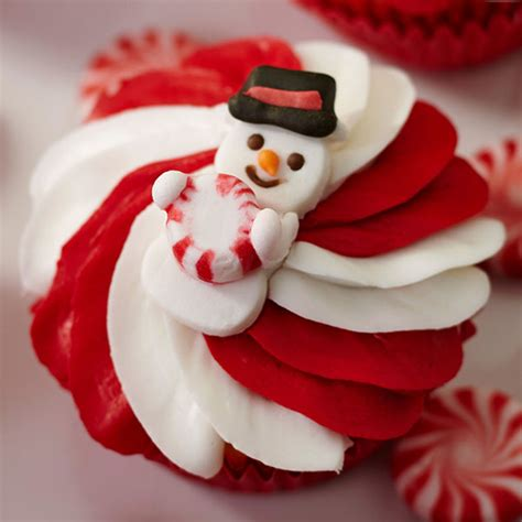 red white snowman cupcakes wilton