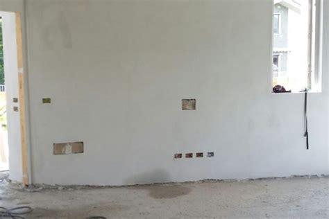 intonaco rustico per interni intonaco premiscelato per interni cemento armato