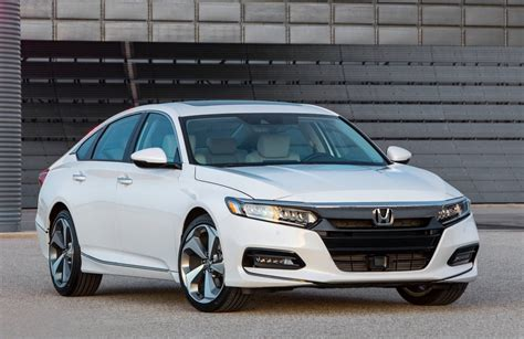 honda accord 2018 honda accord debuts with 10spd auto turbo
