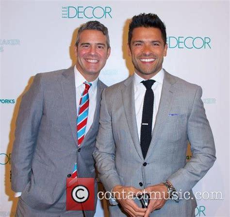 oliver hudson kelley significance mark consuelos groundbreaker awards in new york 3