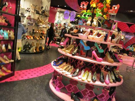 high heels shop shibuya 109 department store trendy tokyo