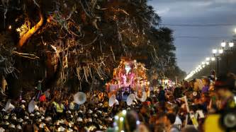 times roll at mardi gras bacchus parade