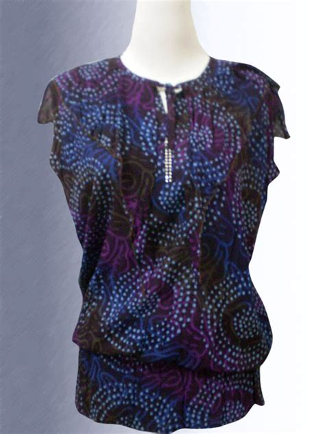 Atasan Batik Wanita Modern Nonarara Tkp171111 01 baju batik batik atasan wanita motif kilauwan cahaya lu yang menyala biru miror batik