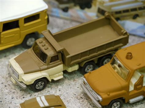 Tomica Edisi 40th Honda City sepia tone colored model car is just for running tomica s 40th anniversary gigazine