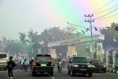 Tv Di Palembang kota palembang diselimuti kabut asap republika