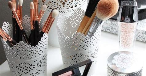 Valege Blush On Fiori Valege Blush On Brush 17 storage ideas you ll actually want to try inredning sminkbord och makeup