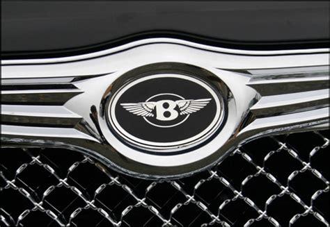 bentley vs chrysler logo chrysler 300 chrome bentley mesh grille w bentley winged