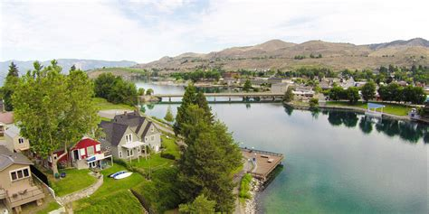 best small towns in america best lake towns in america best lake towns to retire