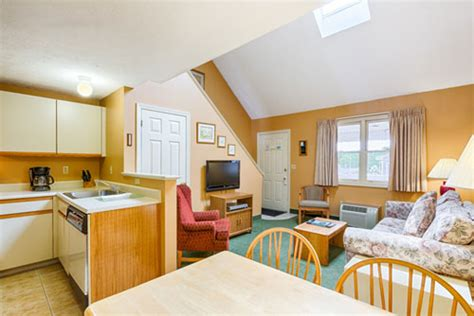 one or two bedroom suites in wells maine at elmwood one and two bedroom condominium suites misty harbor