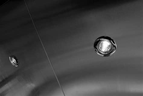 Comment Installer Des Spots Encastrables Au Plafond by Fixer Des Spots Encastrables Au Plafond