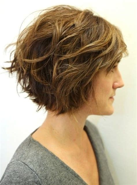 short layered hair styles with soft waves 20 layered short hairstyles for women styles weekly