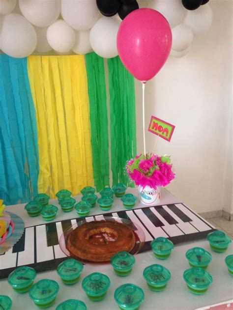 decoracion de mesas para fiestas infantiles mesa de torta fiesta infantil decoraci 243 n musical fiesta