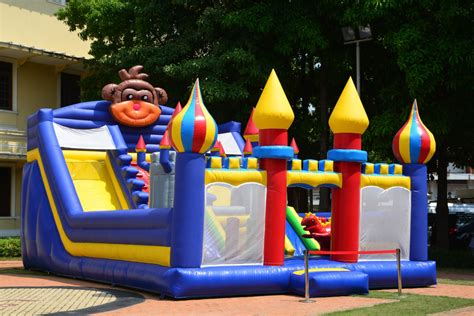 party house rentals las vegas 3 tips for hosting your own backyard carnival bounce