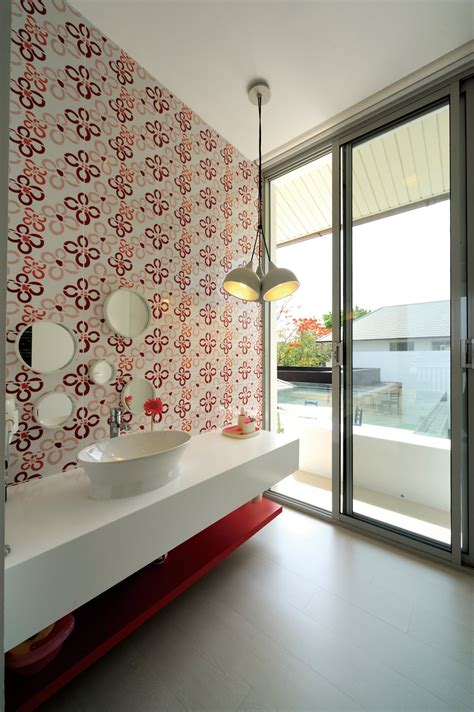 Funky Wallpaper For Bathrooms by Bathroom Wallpaper Ideas In Minimalistic Vacation Home In