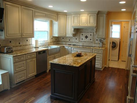 kitchen small sized kitchen island on wooden flooring at