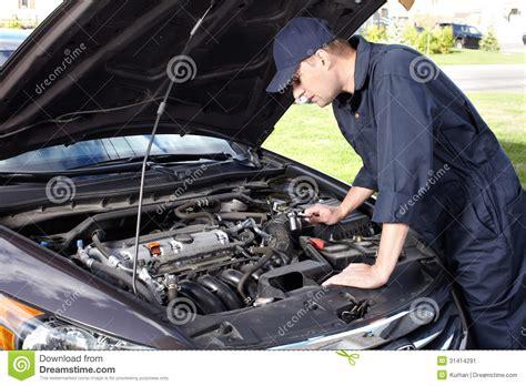 auto repair mechanics how to remove a car door panel car mechanic working in auto repair service stock image image 31414291