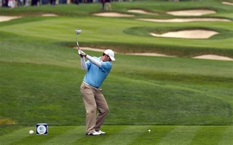 tony romo golf swing tony romo almost ended his nfl dream to become a golf pro