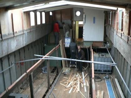 woonboot tjalk te koop warmtepomp woonboot kleine kastjes voor aan de muur