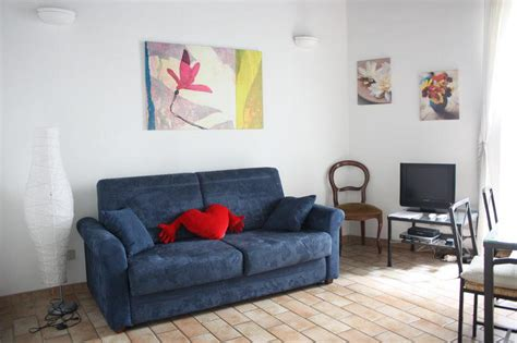sofa bed in spanish visitsitaly com apartments for rent in rome apartment