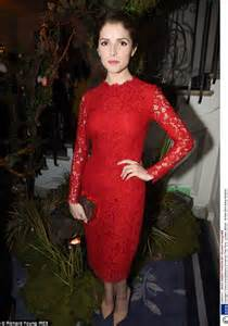 Dress For Company Christmas Party - anna kendrick shows trim frame at dolce amp gabbana christmas tree party in london daily mail online