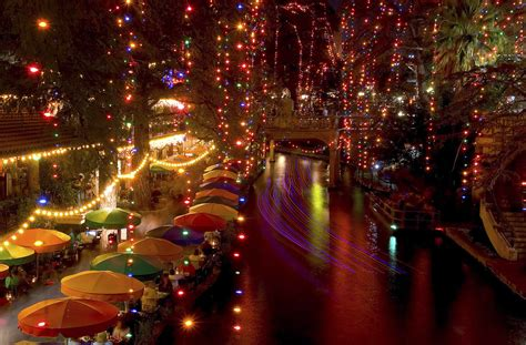 san antonio riverwalk christmas lights boat 19 of the best places to see holiday lights in san antonio