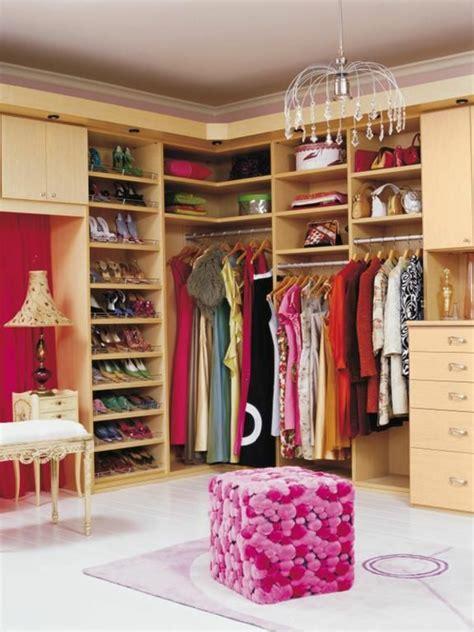 schlafzimmer quadratisch begehbarer kleiderschrank planen 50 ankleidezimmer