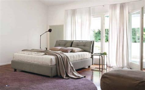 cuscini imbottiti per testiera letto letto imbottito con testiera a cuscini spencer