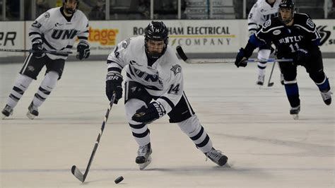 bentley college hockey rocky coast news nhvt unh men s hockey outlasts bentley 5 4