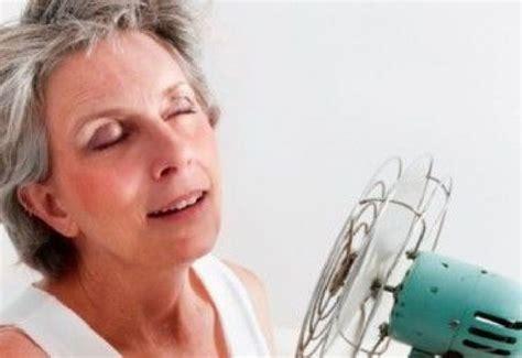 alimentazione in menopausa per non ingrassare dieta veloce in menopausa cosa mangiare