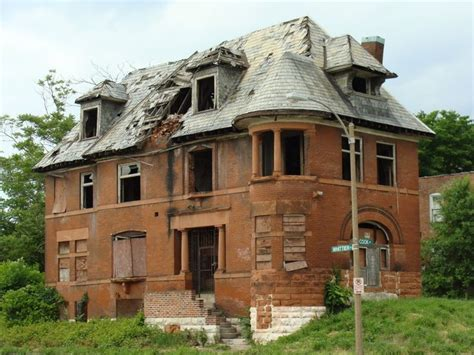 haunted houses in st louis best 25 st louis real estate ideas on pinterest abandoned houses desk under stairs