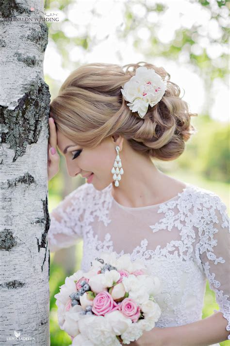 Wedding Updo Hairstyle Magazine by 10 Glamorous Wedding Hairstyles You Ll The