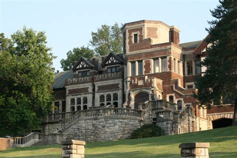 House Missouri by This Missouri House Is Among The Most Haunted Places In