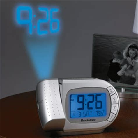 Alarm Clock Projects Time On Ceiling by Projection Clock