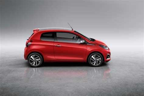 Home Interior Colours by Peugeot 108 Lands In Geneva Shows Interior For The First